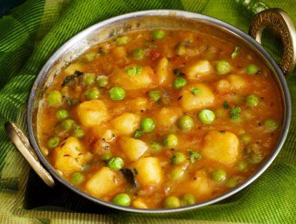 Coriander Potato & Peas Curry