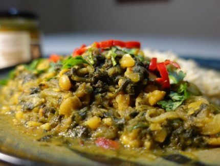 One Pot Split Pea Spinach Curry