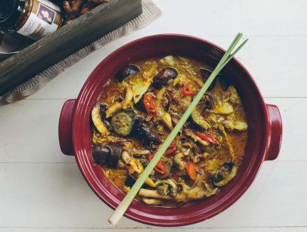 Indonesian Turmeric Coconut Vegetable Stew (Sayur Lodeh)