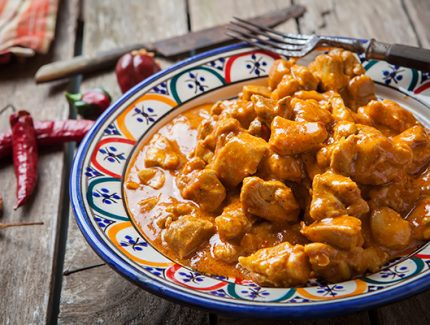 Chicken Vindaloo in Yoghurt Sauce (video)