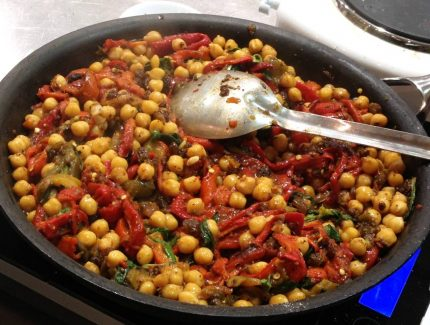 Roasted Capsicum and Zingy Chickpeas Medley